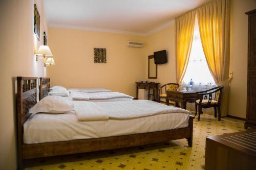 SAMARKAND: City Hotel
