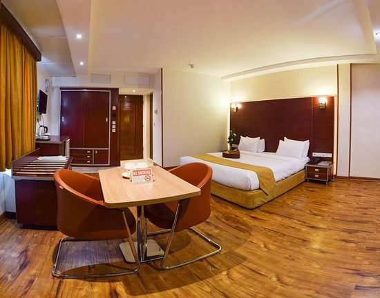 ISFAHAN Piroozi Hotel