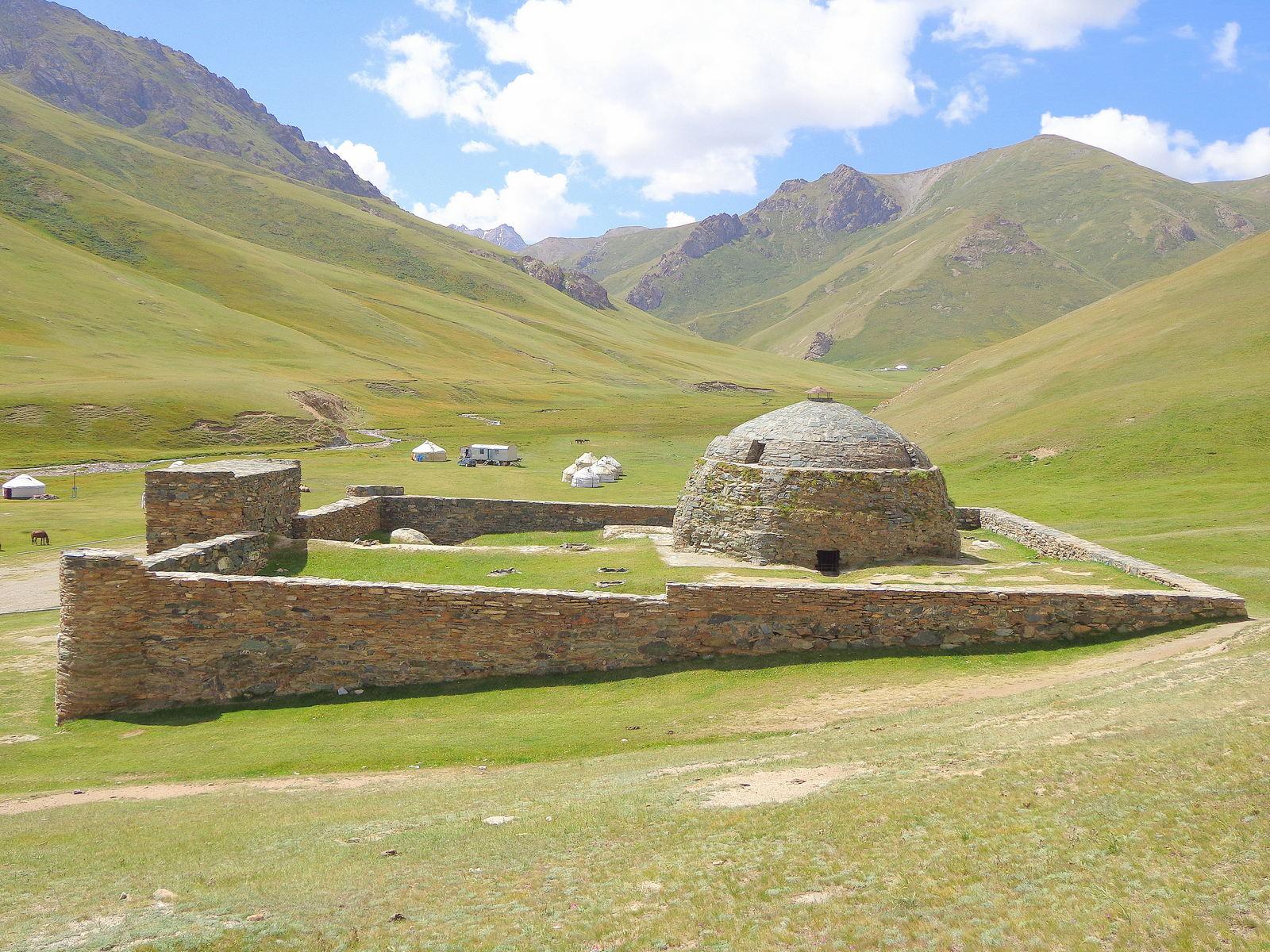 9-day Kyrgyzstan Tour Classic