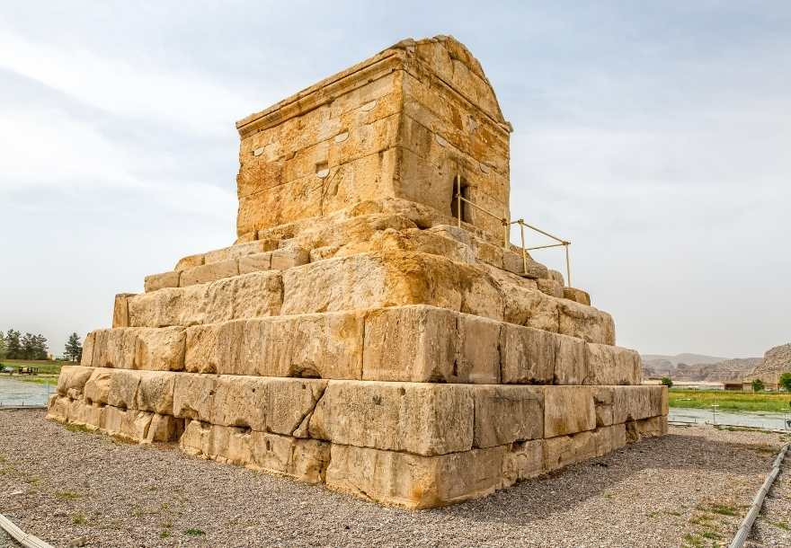 Pasargadae archaeological complex dates back to the 6th century BC, at the time of Cyrus II the Great, the creator of the Achaemenids dynasty.